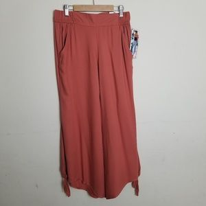 NWT Macy's Rewash Beach Yogi Culottes Pants M